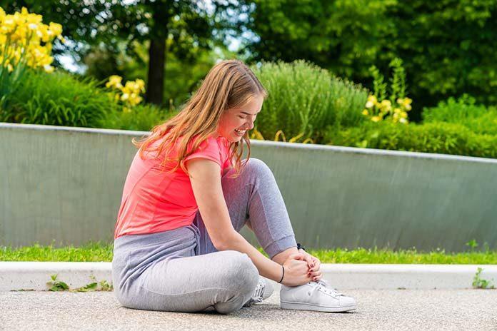 Skręcenie stawu skokowego - jak sobie z tym poradzić?