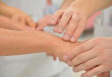 Domowa opieka medyczna – jak pomaga potrzebującym