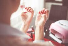 Jakie są metody przedłużania paznokci